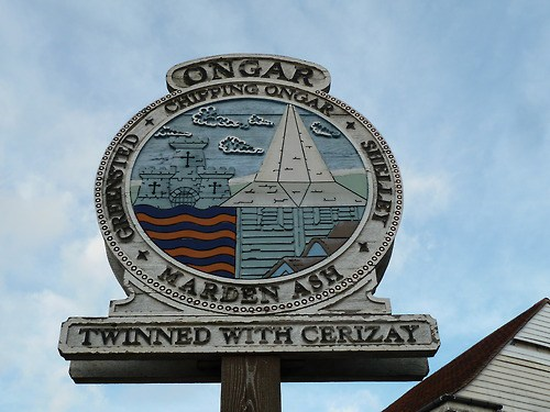 Walks-And-Walking-–-Essex-Walks-–-Chipping-Ongar-Walking-Route-–-Ongar-Village-Sign